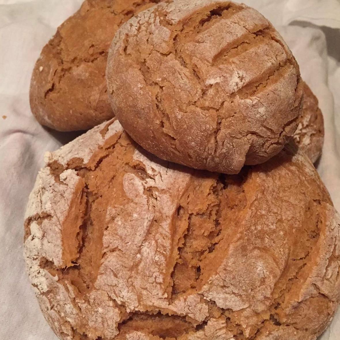 Homemade Spelt Wheat Loaf