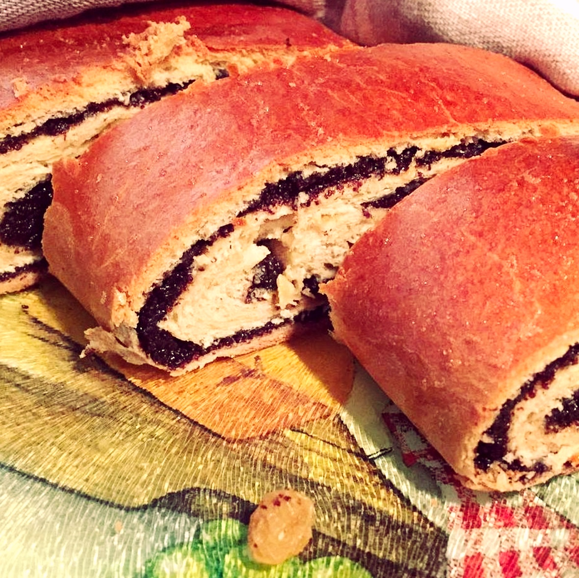 Poppy Whole Wheat Roll