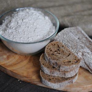 Whole grain rye flour